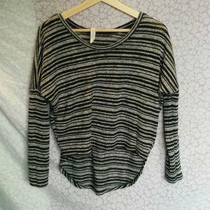 Jessica Simpson knit top S